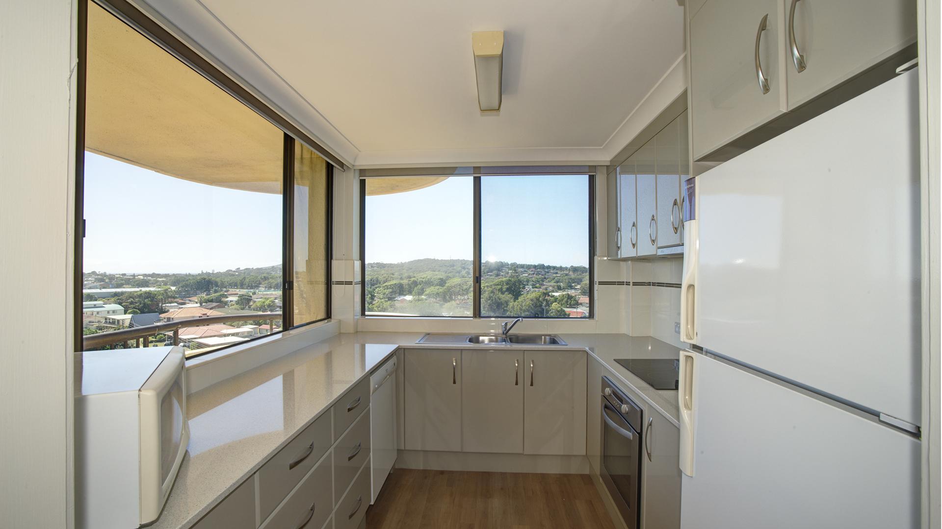pinnacle penthouse apartment 703 overlooking main beach